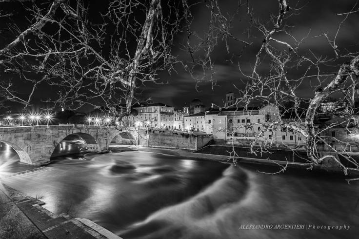 ccc7bcb47fe28f8d3dc60f9917f591d6_notte-tramonto-bn-panorama-bw-ponte-italia-fiume-roma-sunset-night-italy-tevere-black-and-white-rome-isola-tiberina-river-bianco-e-nero-nightscape-tiber-ponte-cestio